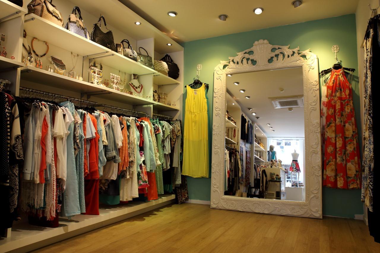 6ef7a5c798a Exposa in Amersfoort Winkelen Gezellig shoppen modezaak kleding tassen  sieraden - foto 2
