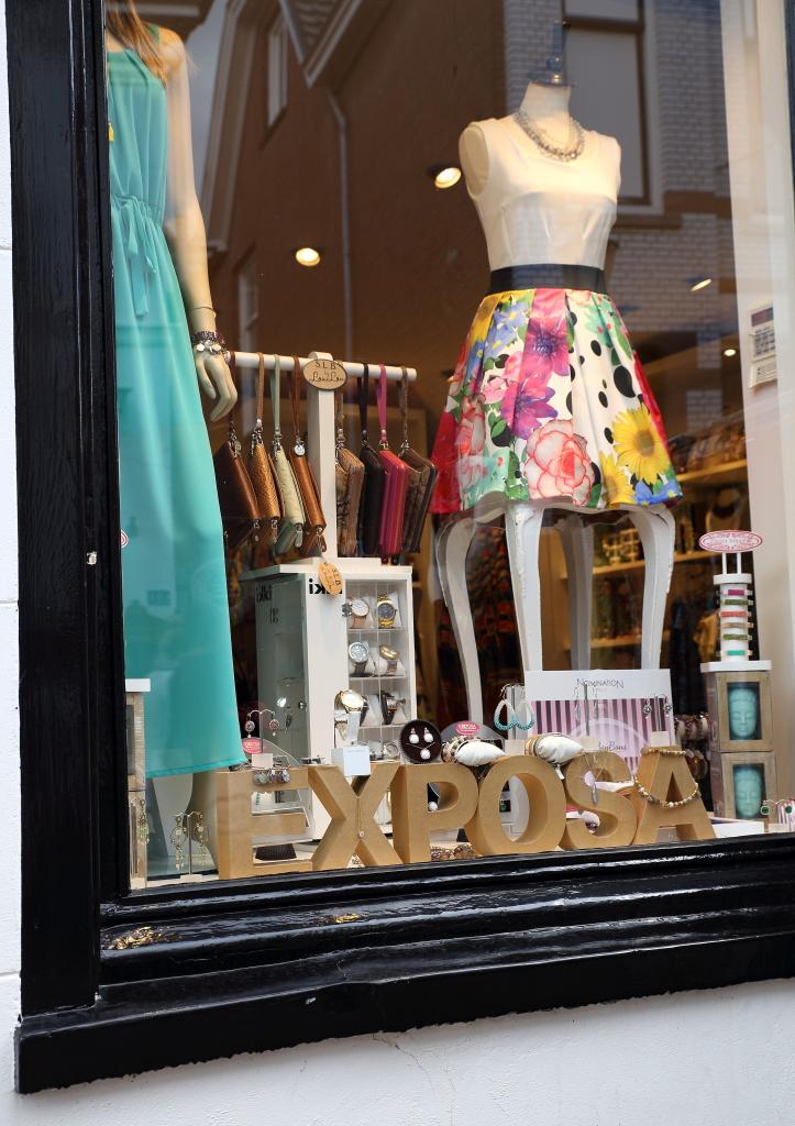 6fed881e359 Exposa in Amersfoort Winkelen Gezellig shoppen modezaak kleding tassen  sieraden - foto 3