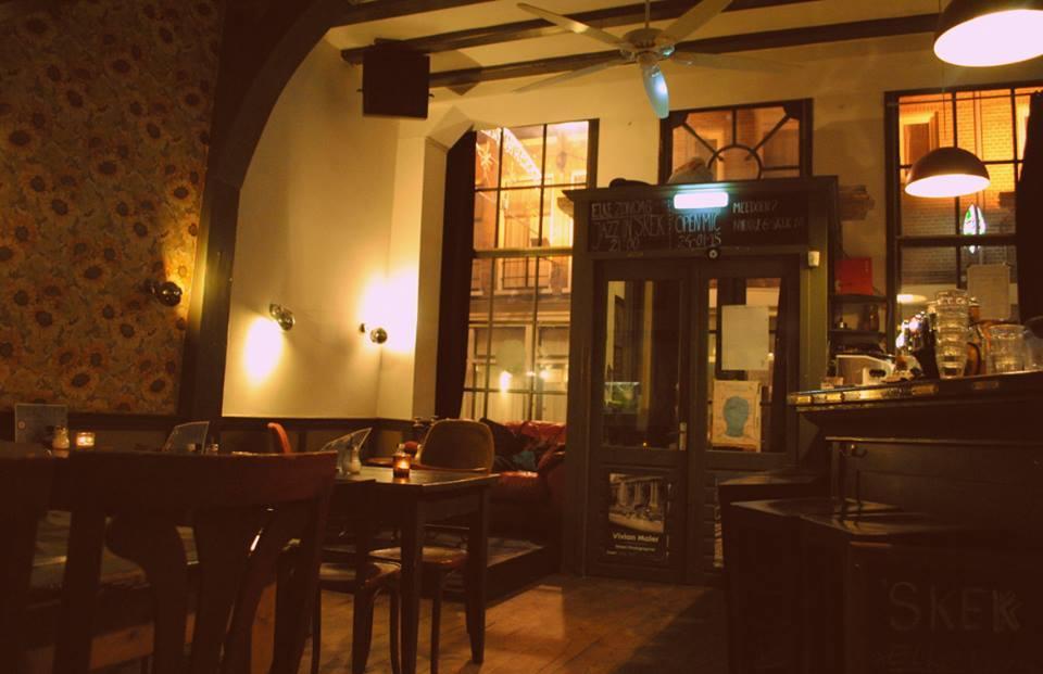 borrel diner in amsterdam 'skek eetcafé sfeer biologisch borrel
